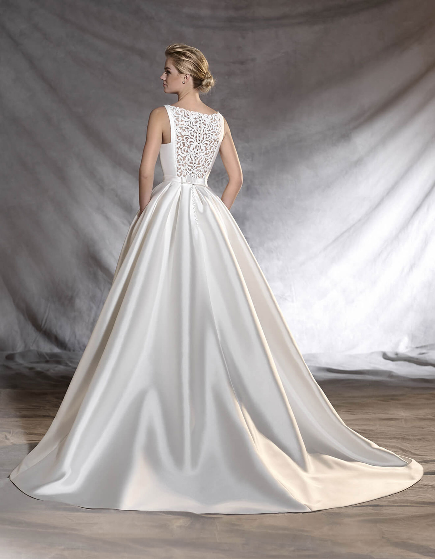 Otawa | Pronovias - Satin wedding dress inspired by Audrey Hepburn