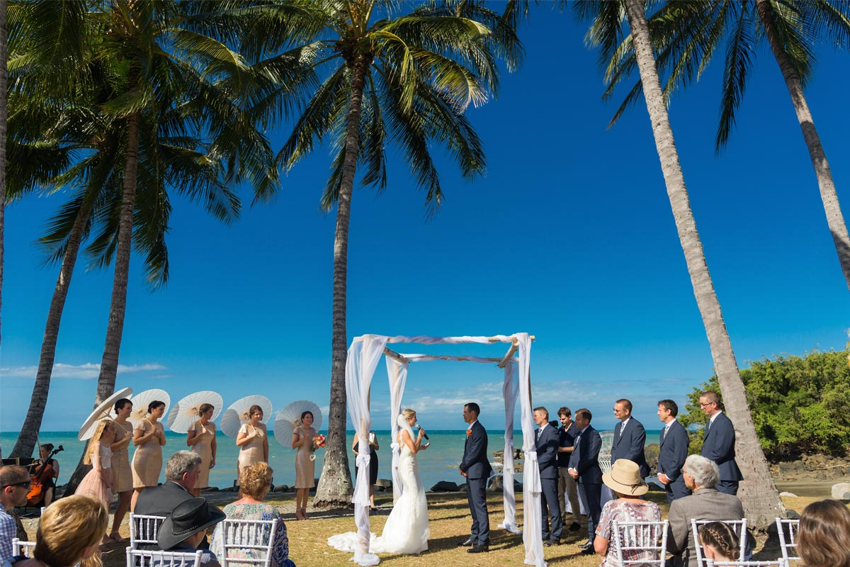 raffaele-ciuca_real-bride_rosy_pronovias-wedding-dress_port-douglas-wedding_2