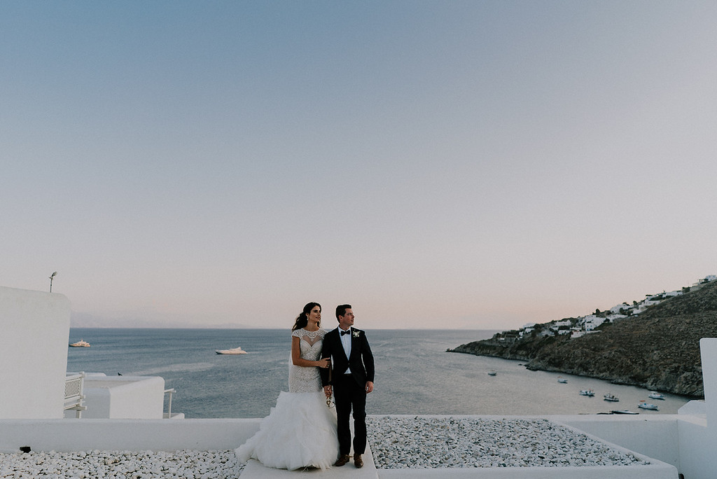 dusk photo bride and groom landscape