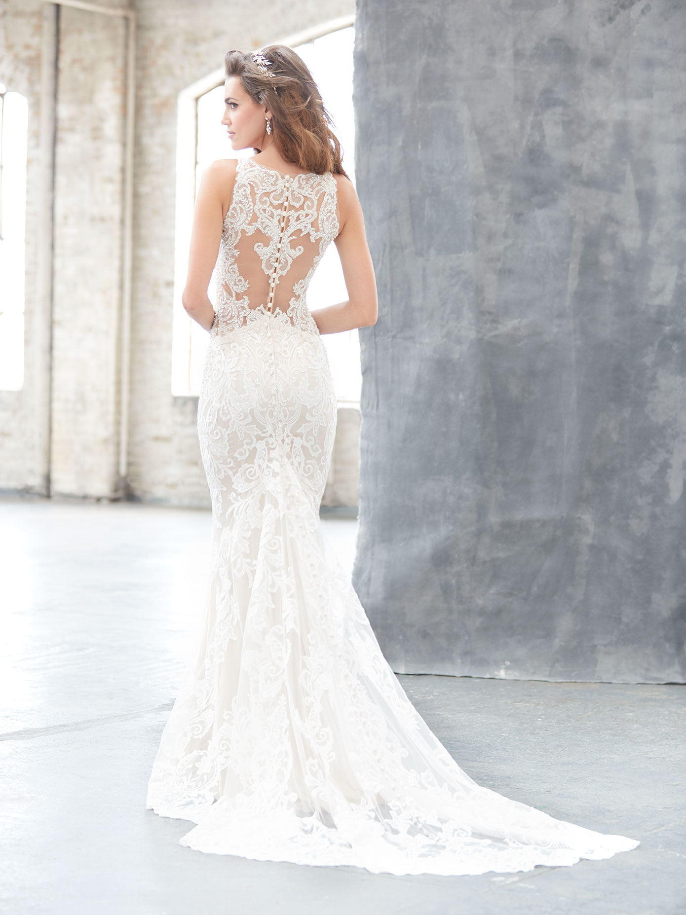 Lace wedding dress featuring a low back, Madison James 2017 Trunk Show coming to Raffaele Ciuca, Melbourne