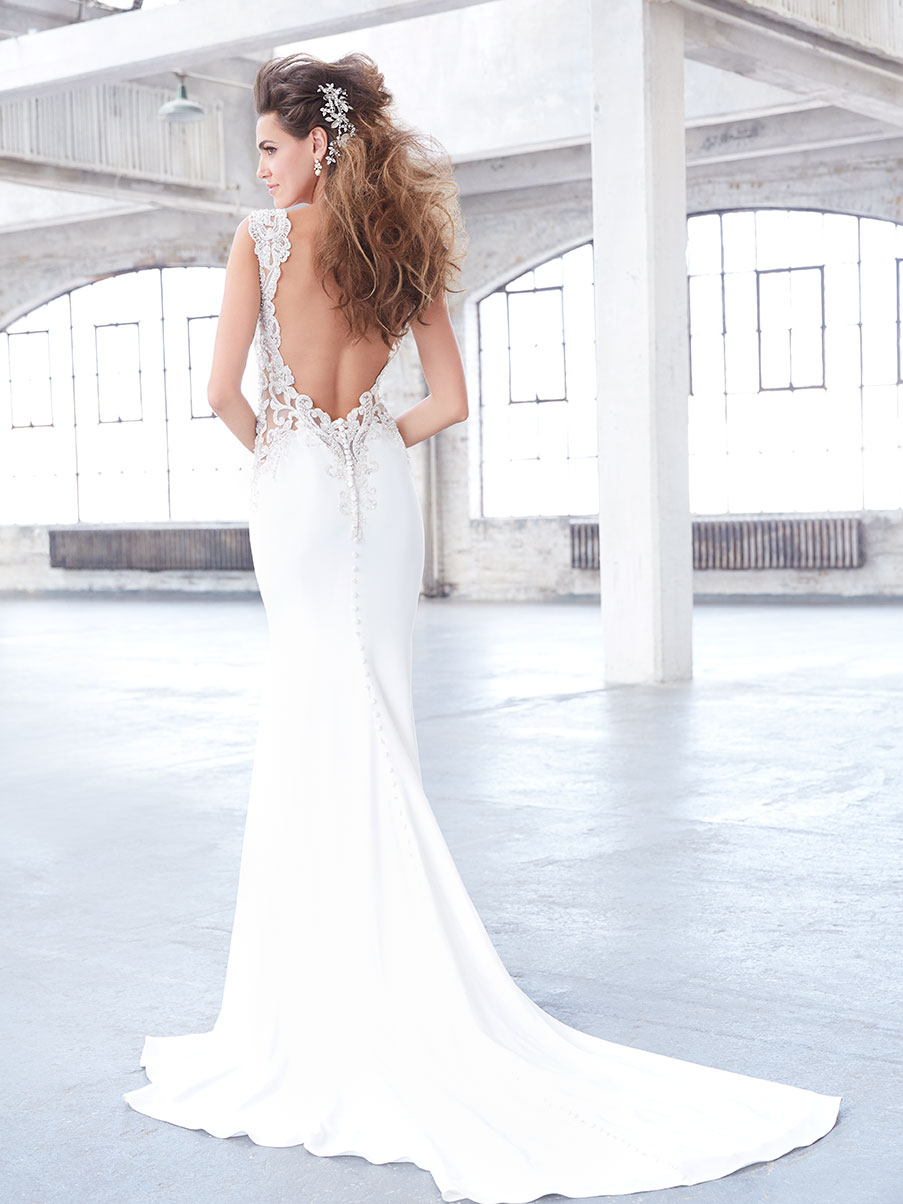 Lace wedding dress featuring an open low back, Madison James 2017 Trunk Show coming to Raffaele Ciuca, Melbourne