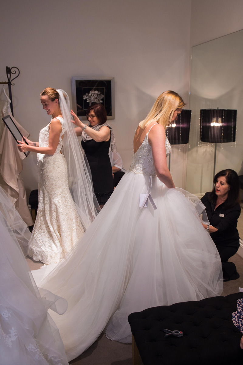 How a wedding dress appointments runs at a trunk Show